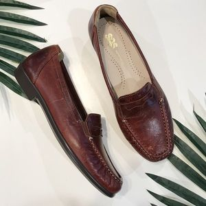 SAS Penny J Loafers Shoes in Walnut